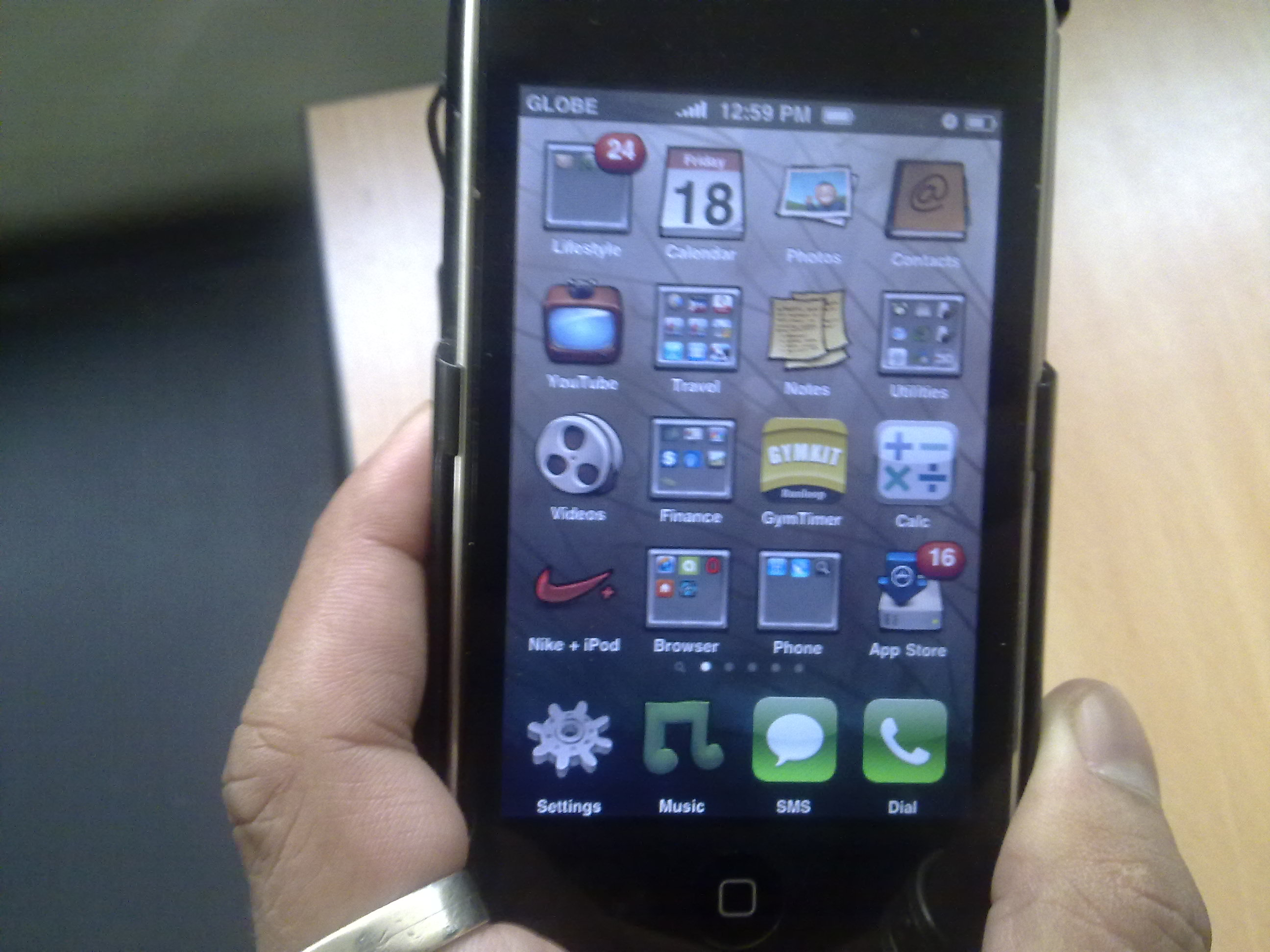iPod Touch 3rd Gen with C Peel T166